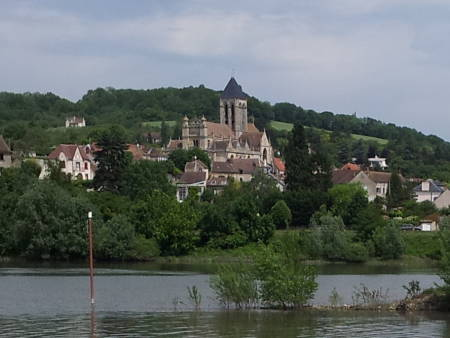 Vétheuil and the Seine River, a frequent subject of Claude Monet.